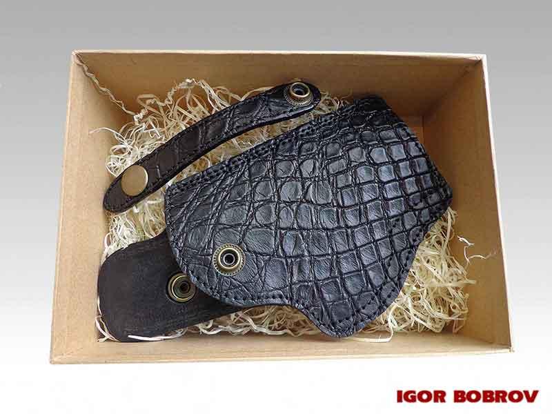 Кобура подарочная для пистолета ПМ из кожи крокодила